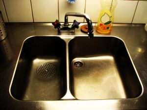 kitchen-sink-2-821066-m